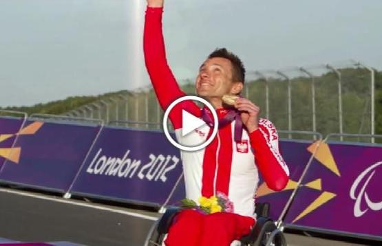 Rafał Wilk ze zlotym medalem XIV Letnich Igrzyskach Paraolimpijskich w Londynie
