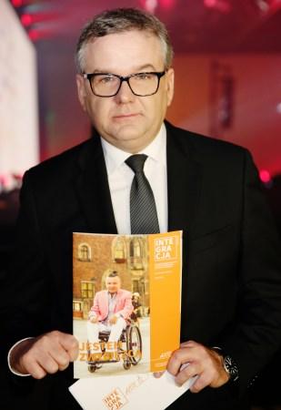 Artur Andrus z magazynem Integracja