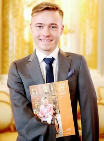 Mariusz Kędzierski z magazynem Integracja